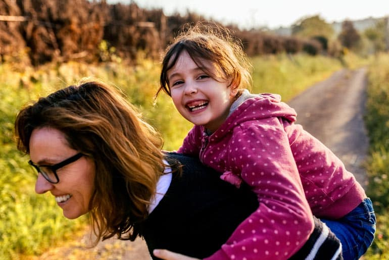 mom with tooth bonding, bonds with daughter